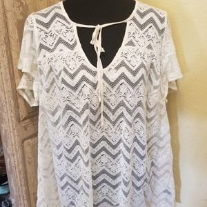 Torrid white lace top size 1